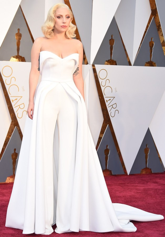 oscars-red-carpet-2016-best-dressed-lady-gaga-2